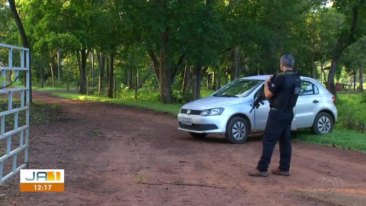 Polícia faz busca e apreensão em chácara do deputado Valdemar Júnior