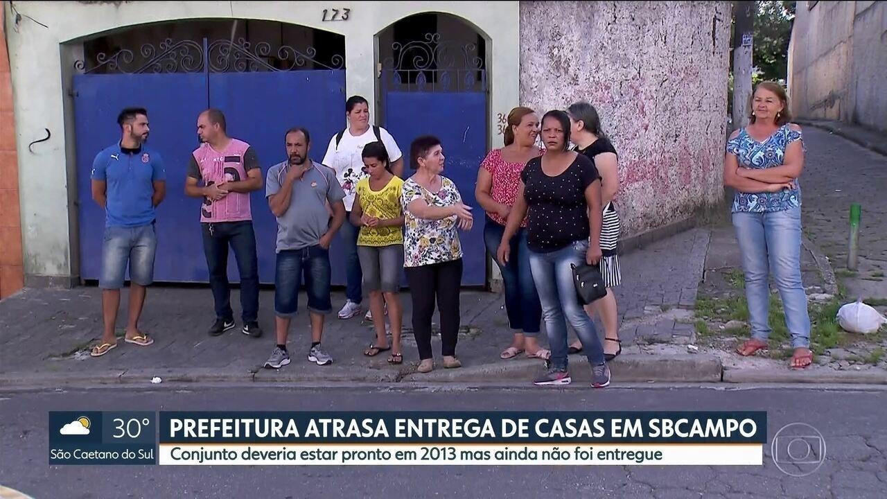 Prefeitura atrasa entrega de casas em São Bernardo prometida para 2013