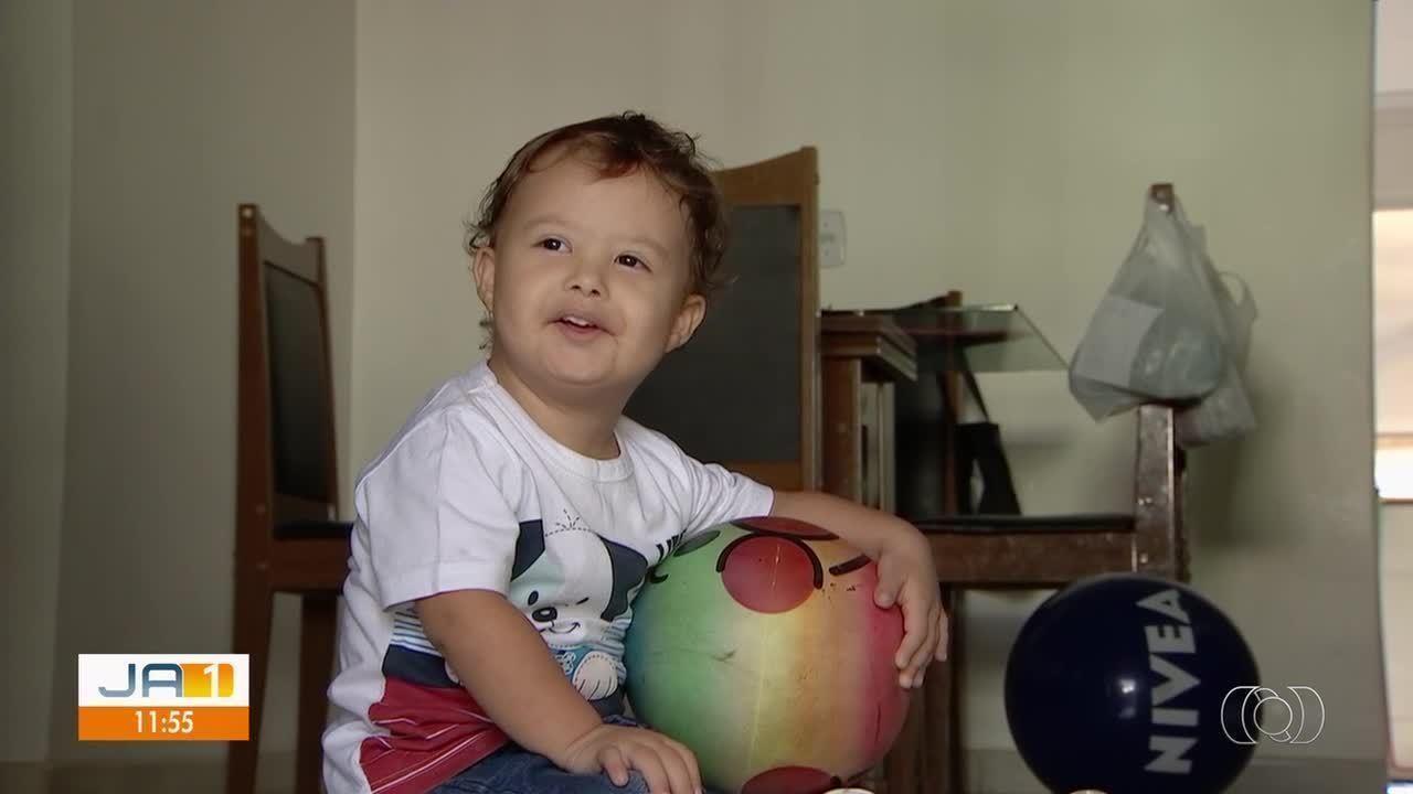 Após esperar um ano, menino consegue vaga para cirurgia no coração, em Goiânia