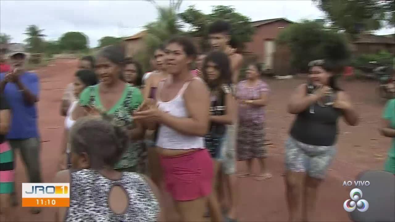 Moradores da Vila Princesa bloqueiam acesso ao lixão