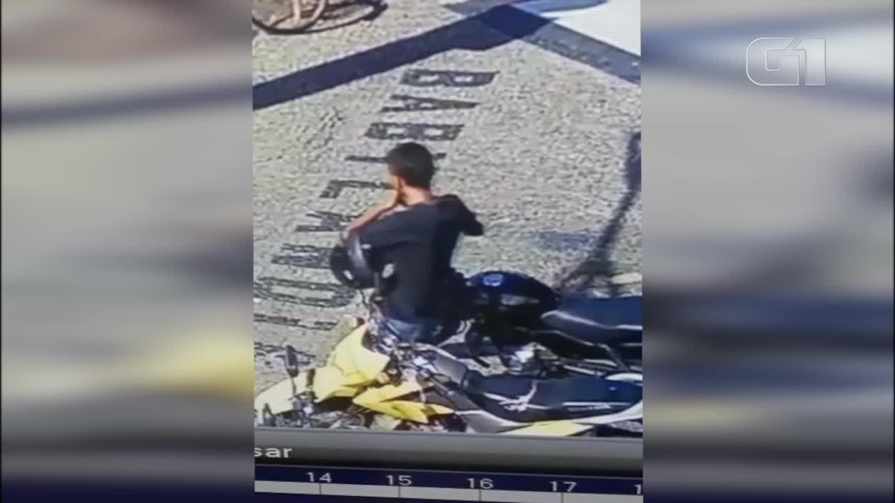 Vídeo flagra furto de moto no Centro de Teresina