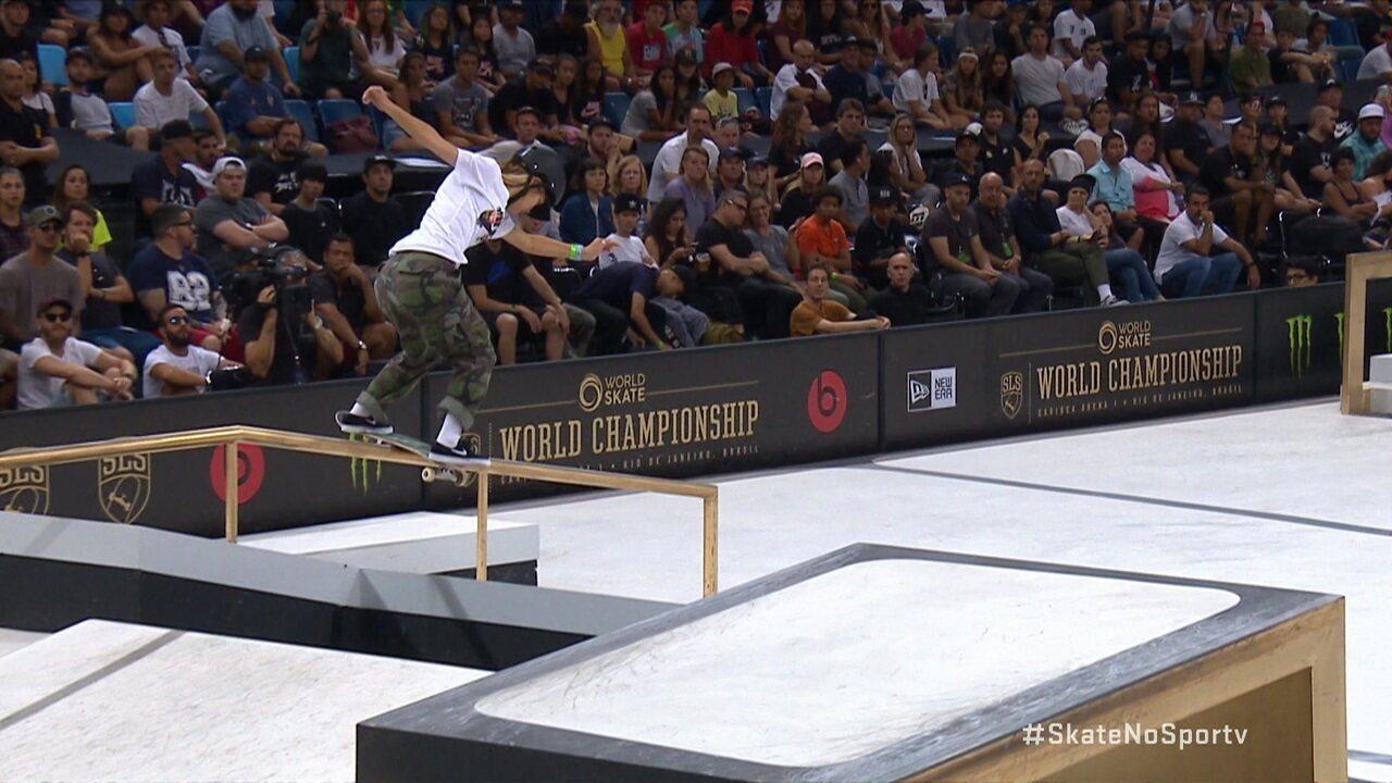 Em uma disputa incrível com Letícia Bufoni, Aori Nishimura conquista o título na final do Mundial de Street Skate feminino