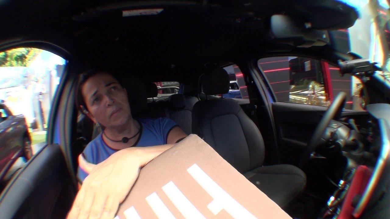 Tereza e Carolina batucam em cubo durante Prova de Resistência Cores Fiat