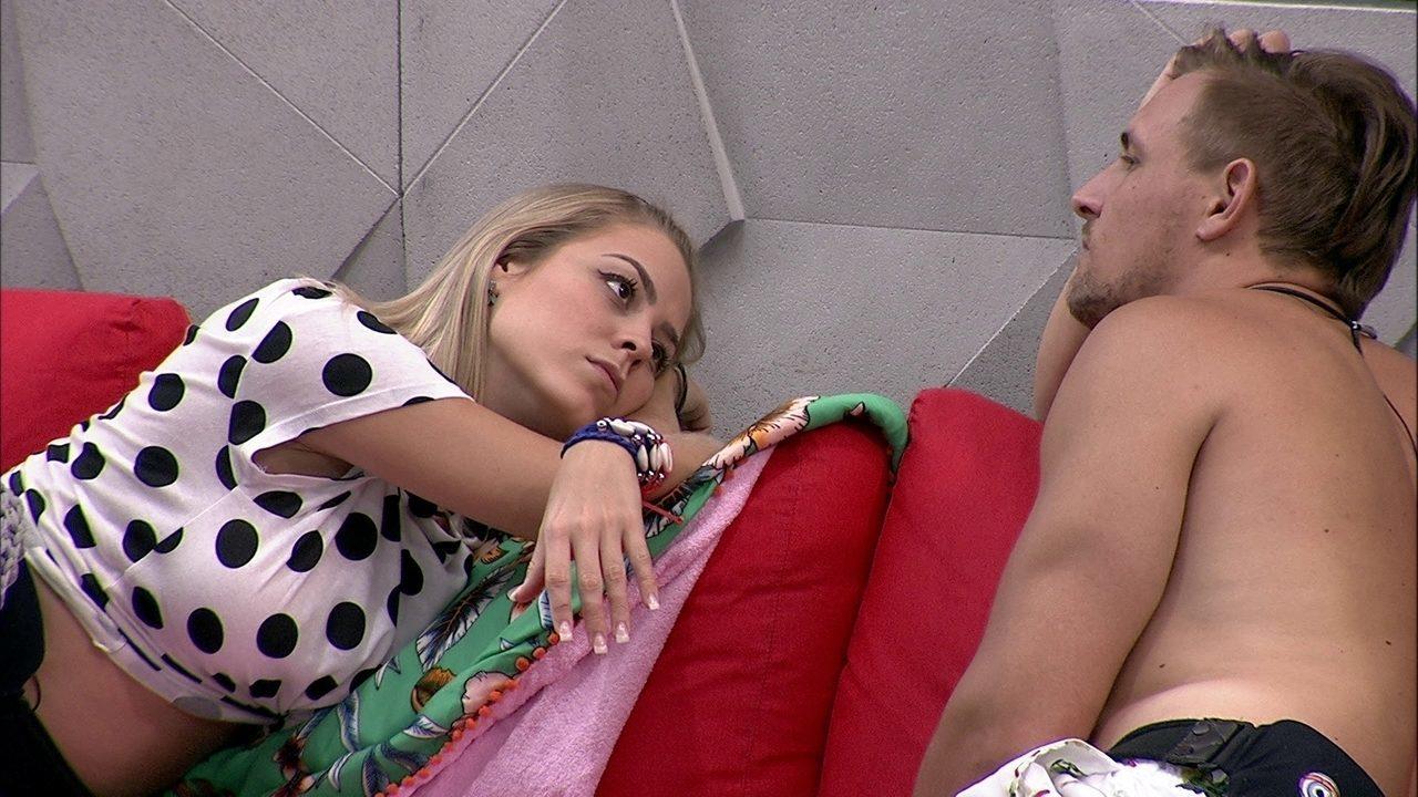 Diego especula sobre o jogo com Isabella