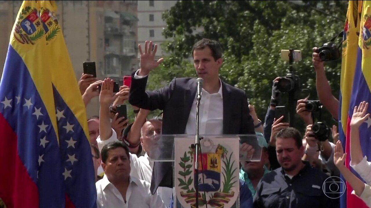 Líder da oposição da Venezuela se declara presidente interino