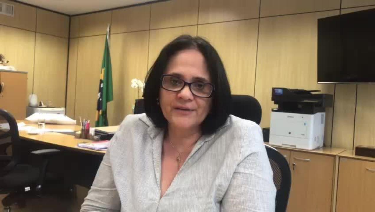 Damares Alves explica proposta sobre home schooling