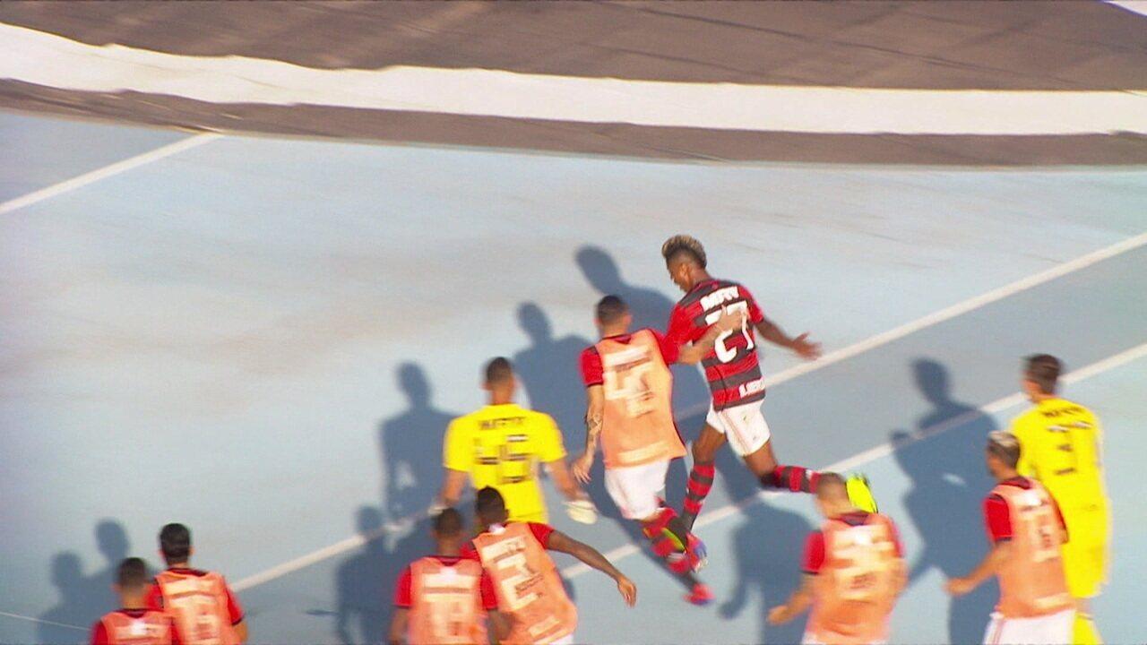 Os gols de Botafogo 1 x 2 Flamengo pela 3ª rodada do Campeonato Carioca
