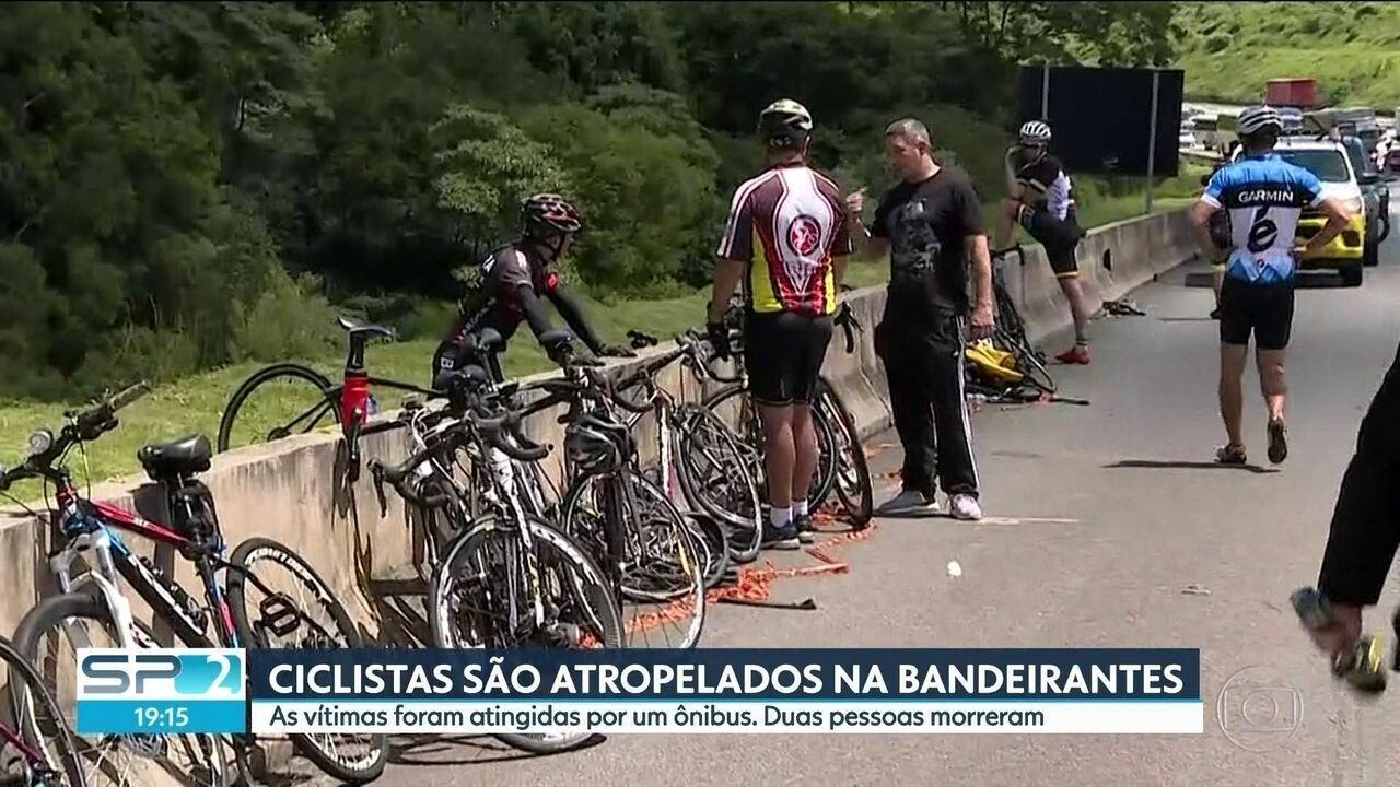 Ônibus atropela grupo de ciclistas e deixa 2 mortos na Bandeirantes