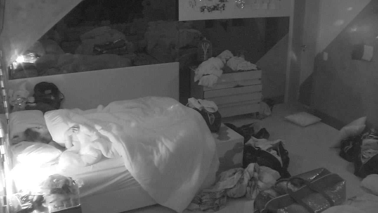 Todos os brothers dormem no Quarto Ouro