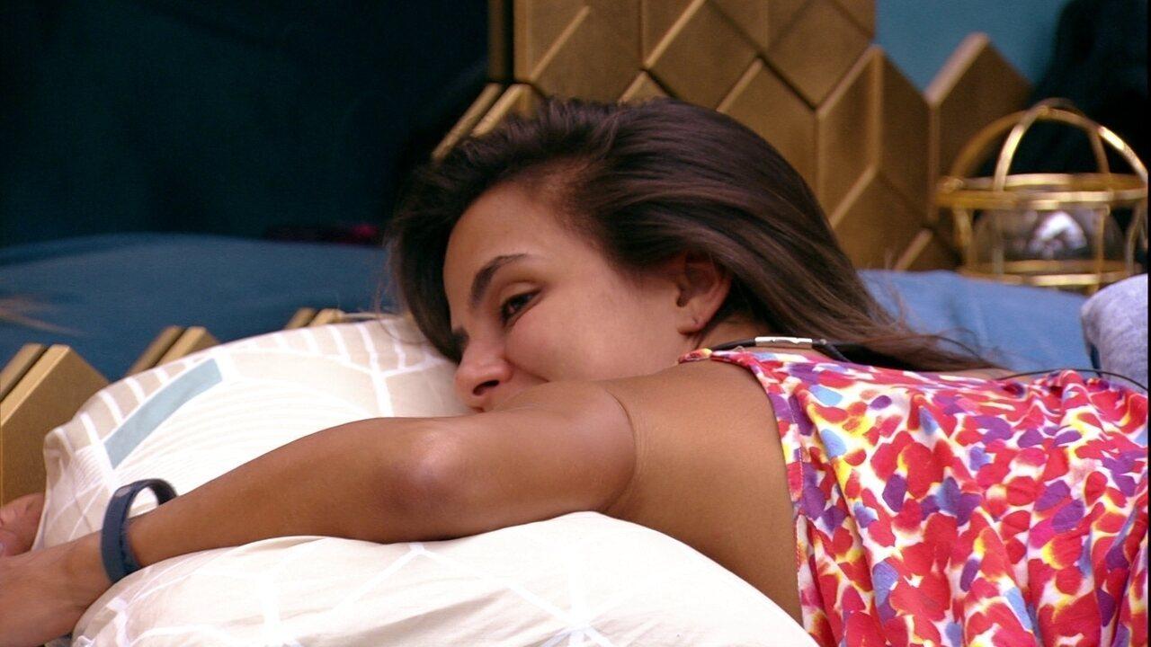 Rodrigo deseja para Carolina: 'Coragem!'