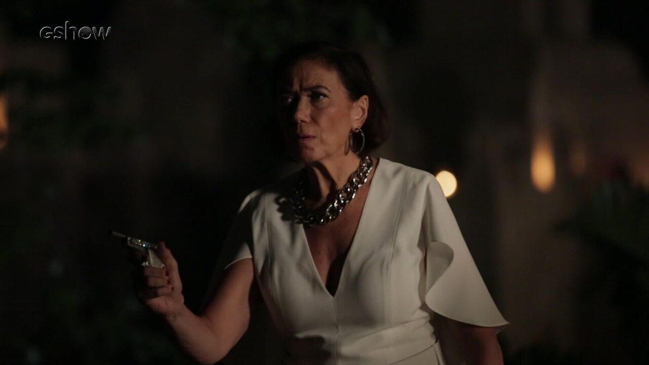 Confira os bastidores da cena em que Valentina atira em León