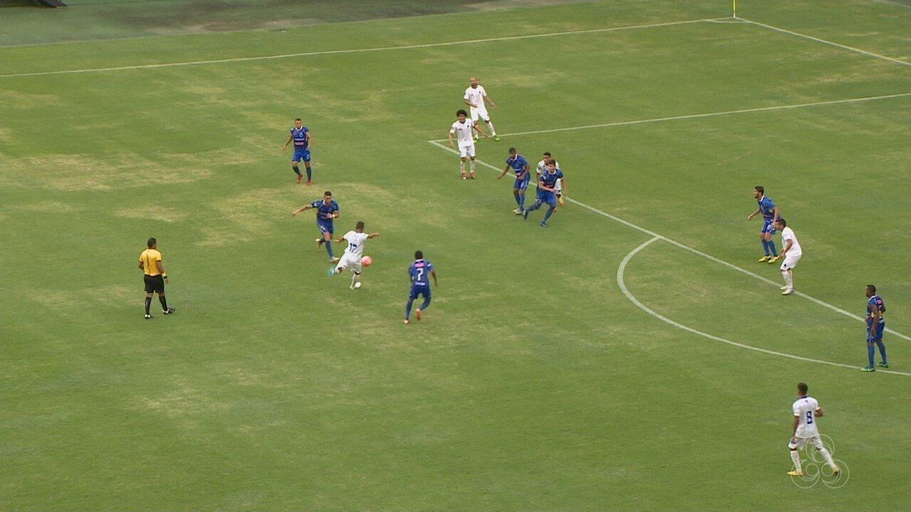 Jonas aproveita sobra de bola na entrada da área e marca golaço