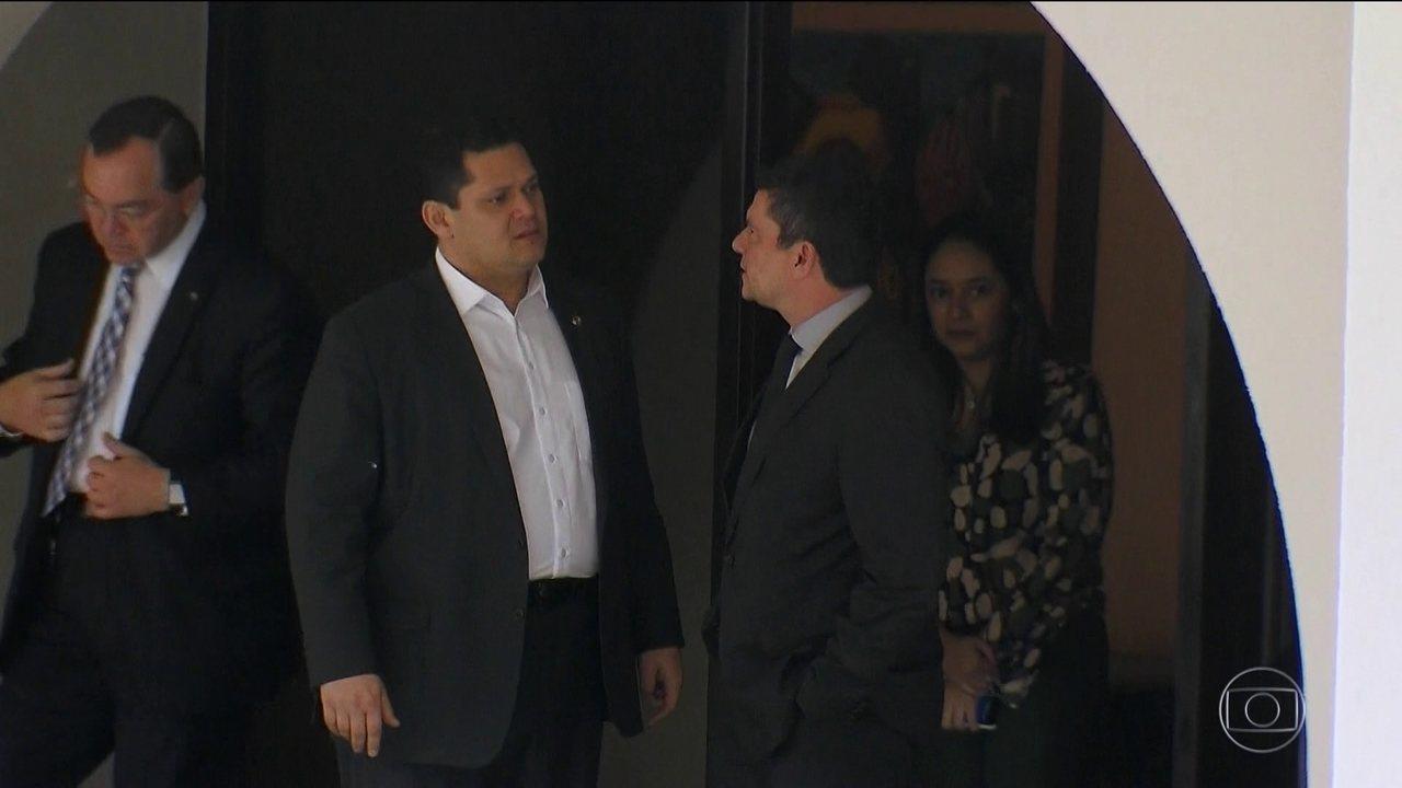 Moro se reúne com parlamentares para defender pacote anticrime