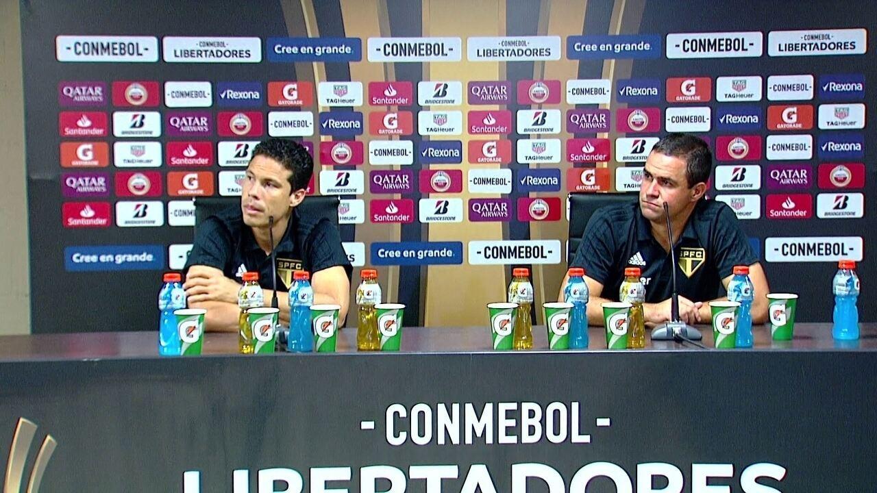 Hernanes e André Jardine falam após a derrota do São Paulo para o Talleres