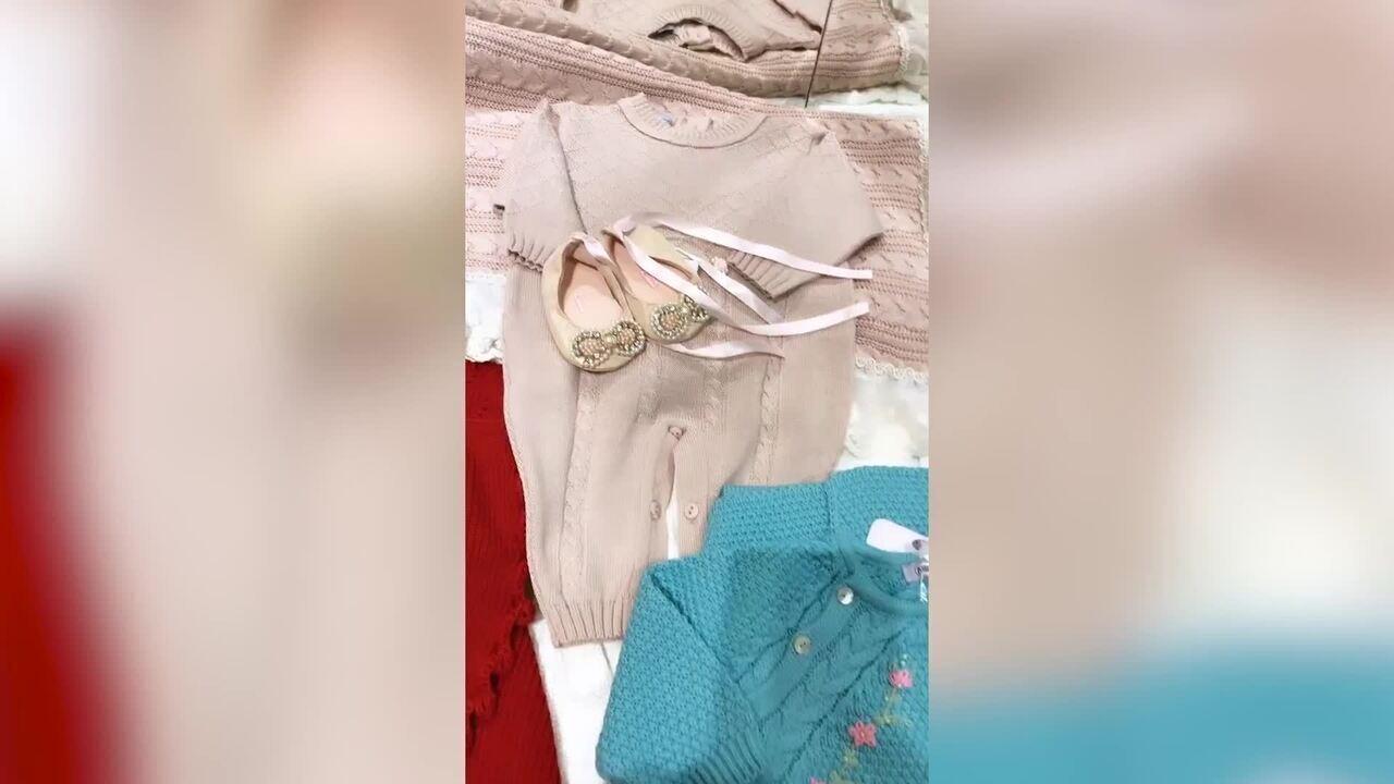 Thaeme mostra primeiras roupas da filha Liz