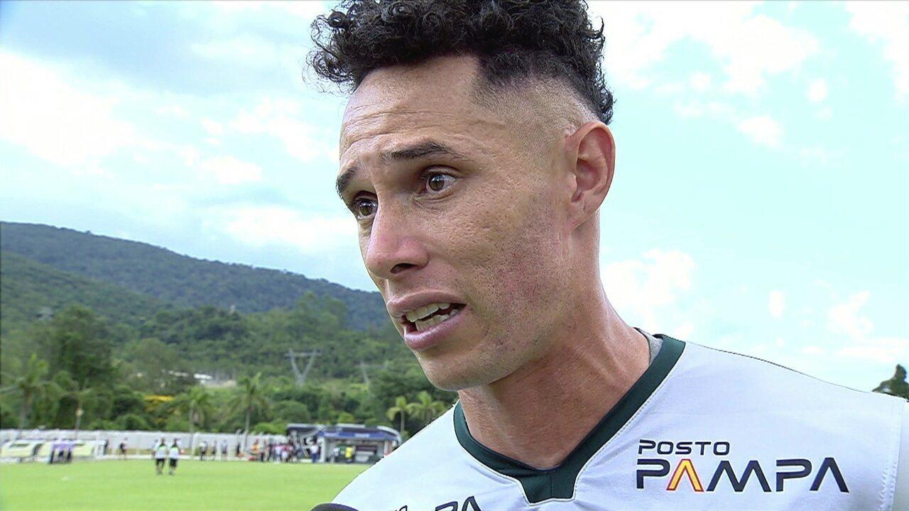 Destaque apesar da derrota da Caldense, goleiro Omar lembra perda da mãe e pede força às famílias das vítimas do Ninho do Urubu