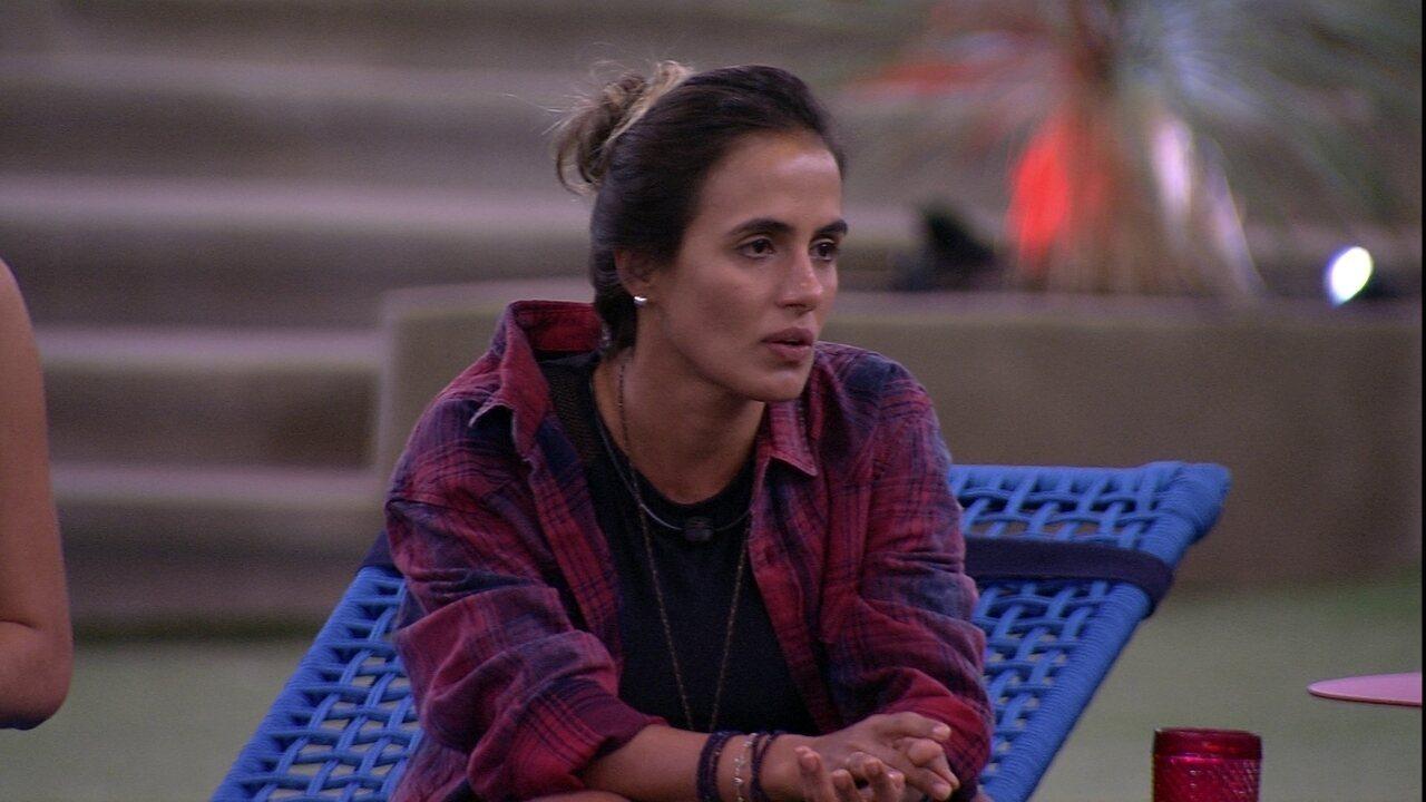 Carolina diz que Tereza pirou com o comentário de Paula