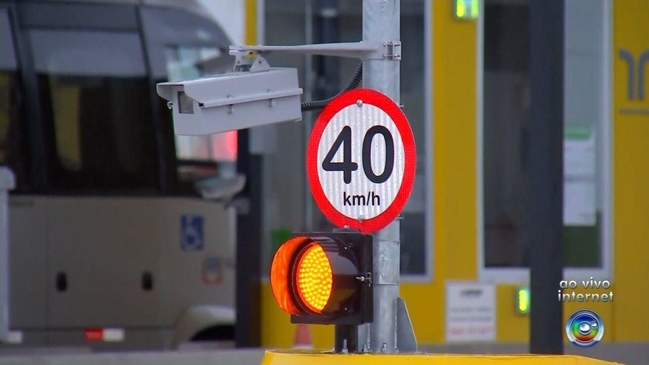 Veículos acima de 40 km/h serão multados em cabines de cobrança automática de pedágios