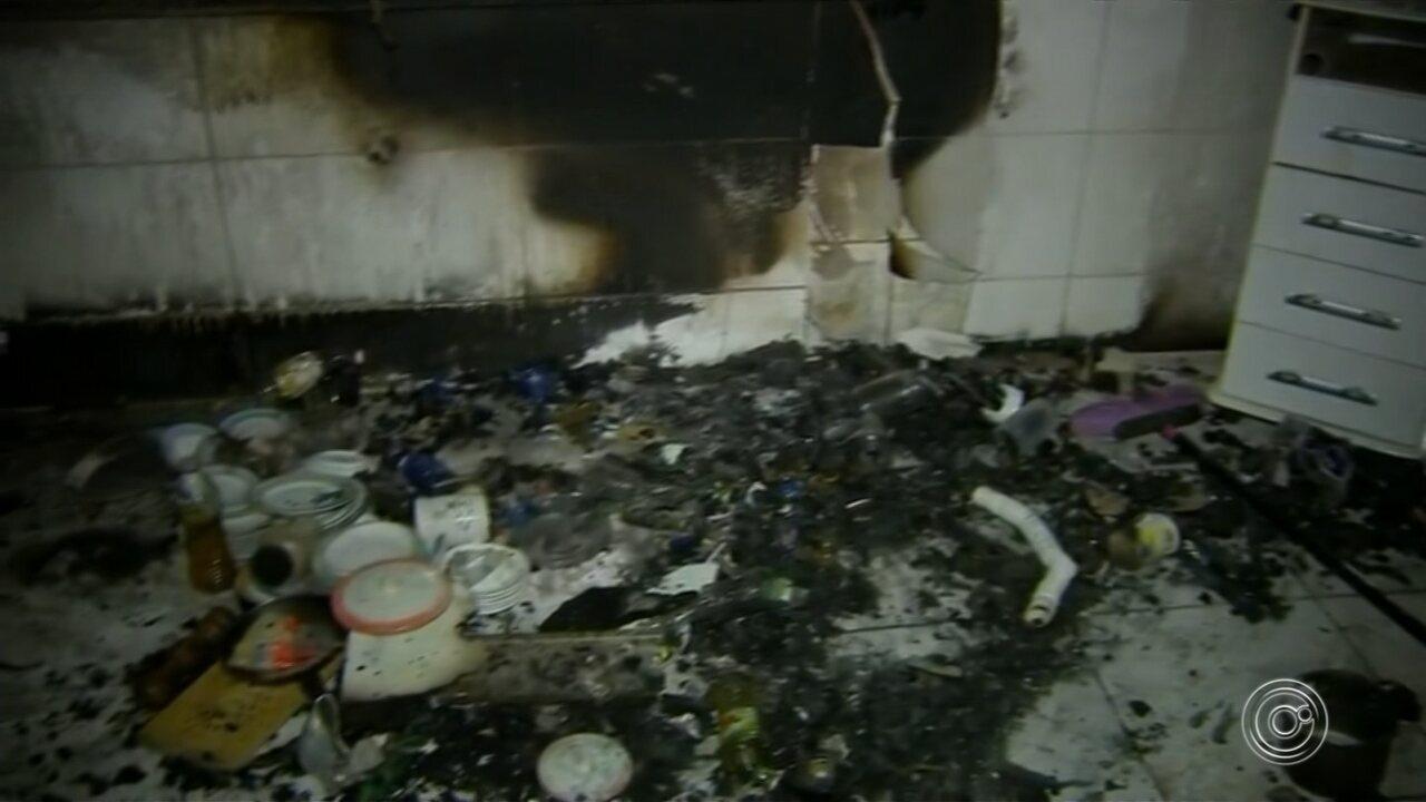 Criança que teve queimaduras em 90% do corpo em incêndio continua internada