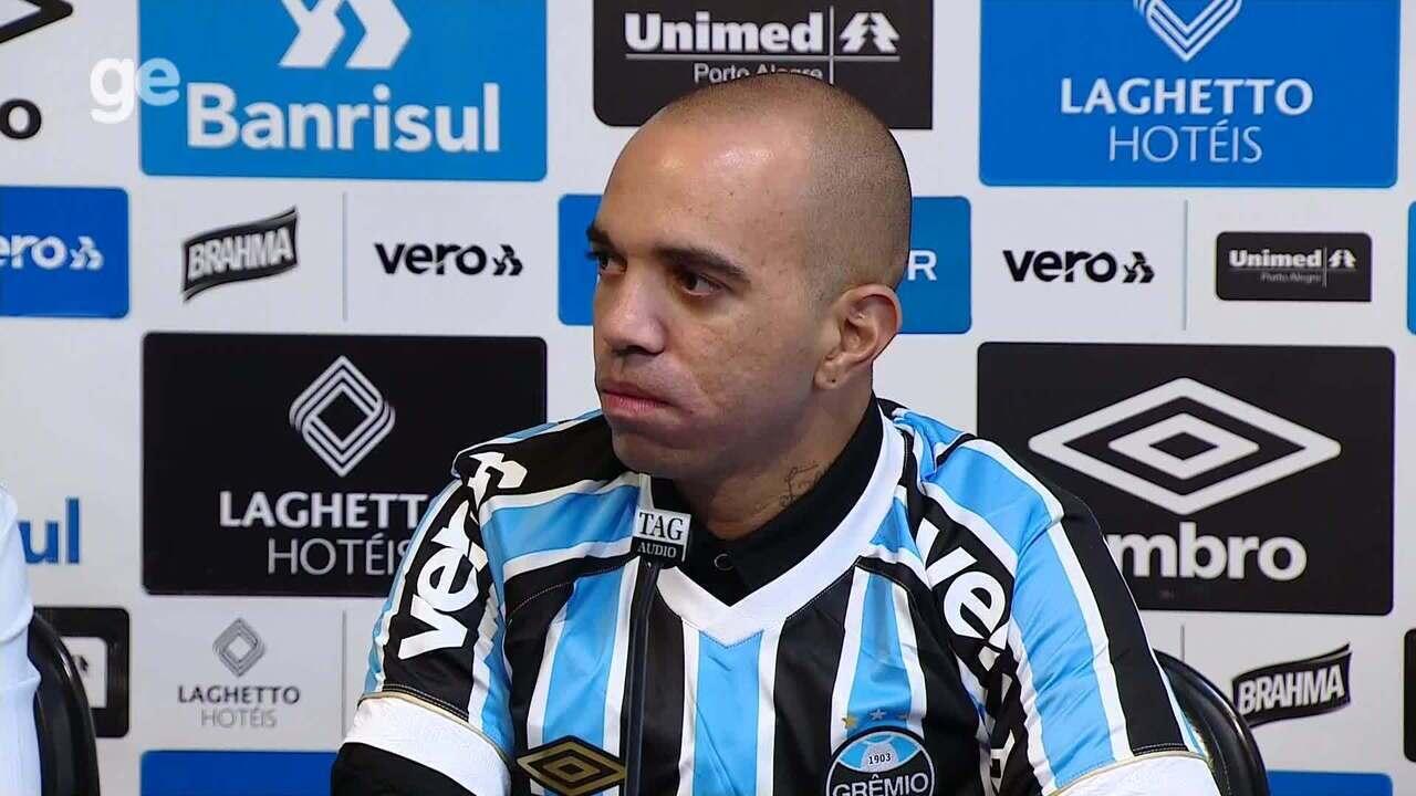 """Tardelli recebe a 9 do Grêmio e diz que é um sonho trabalhar com Renato: """"Namoro antigo"""""""