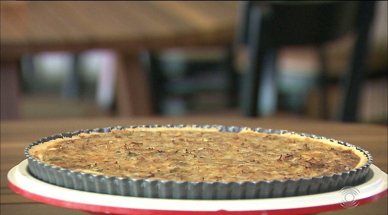 Chef JPB: veja o passo a passo para fazer um quiche com carne de sol