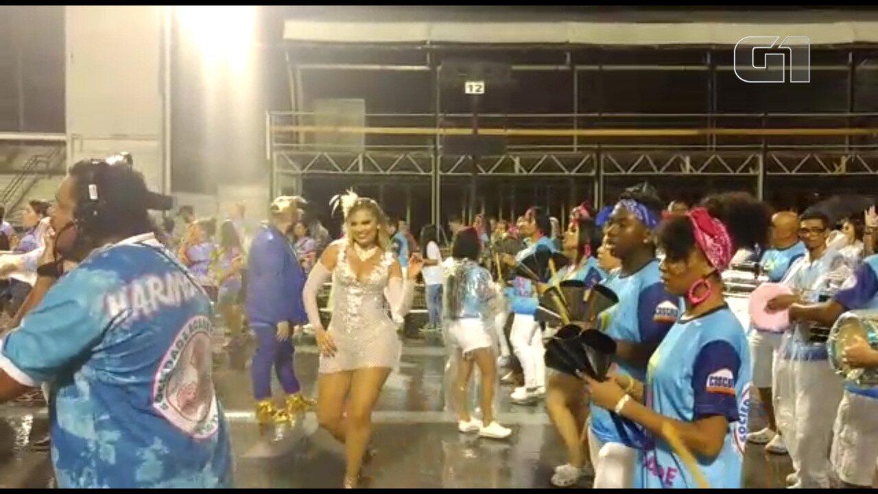 Escolas de samba de SP fazem ensaio técnico para o carnaval no Anhembi