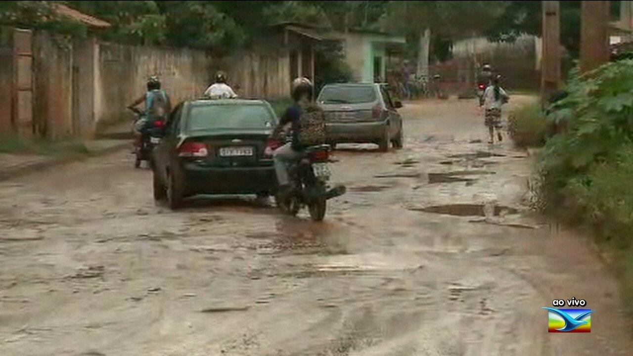 Avenida sofre pela falta de infraestrutura em Paço do Lumiar