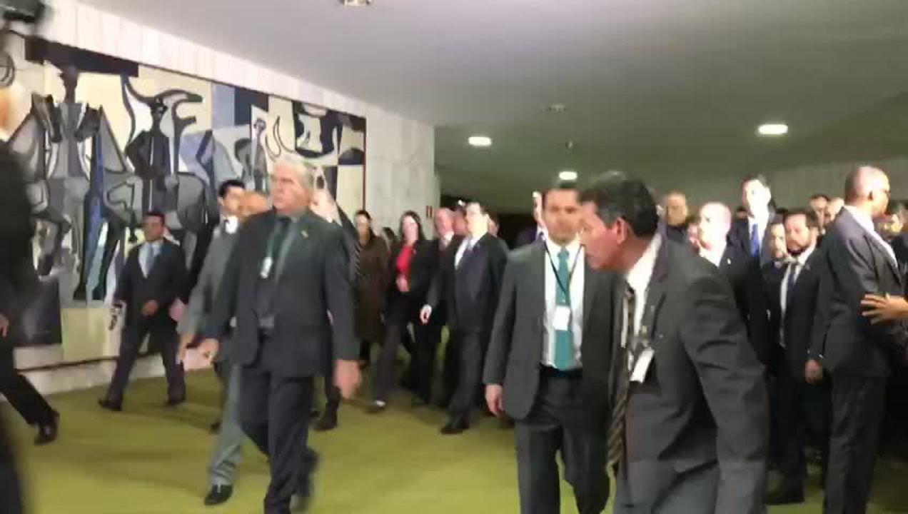 Bolsonaro chegou ao Congresso e seguiu para reunião com Maia e Alcolumbre