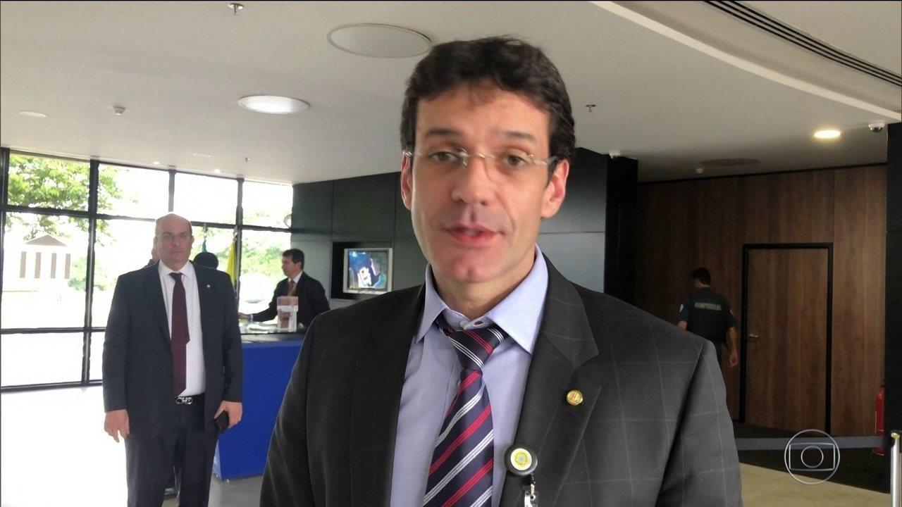 Ministro do Turismo quer que vá para o Supremo investigação sobre laranja