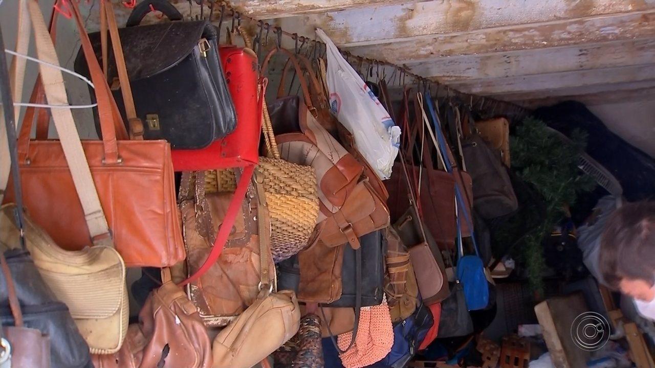 Prefeitura de Agudos começa remoção de lixo da casa de acumulador