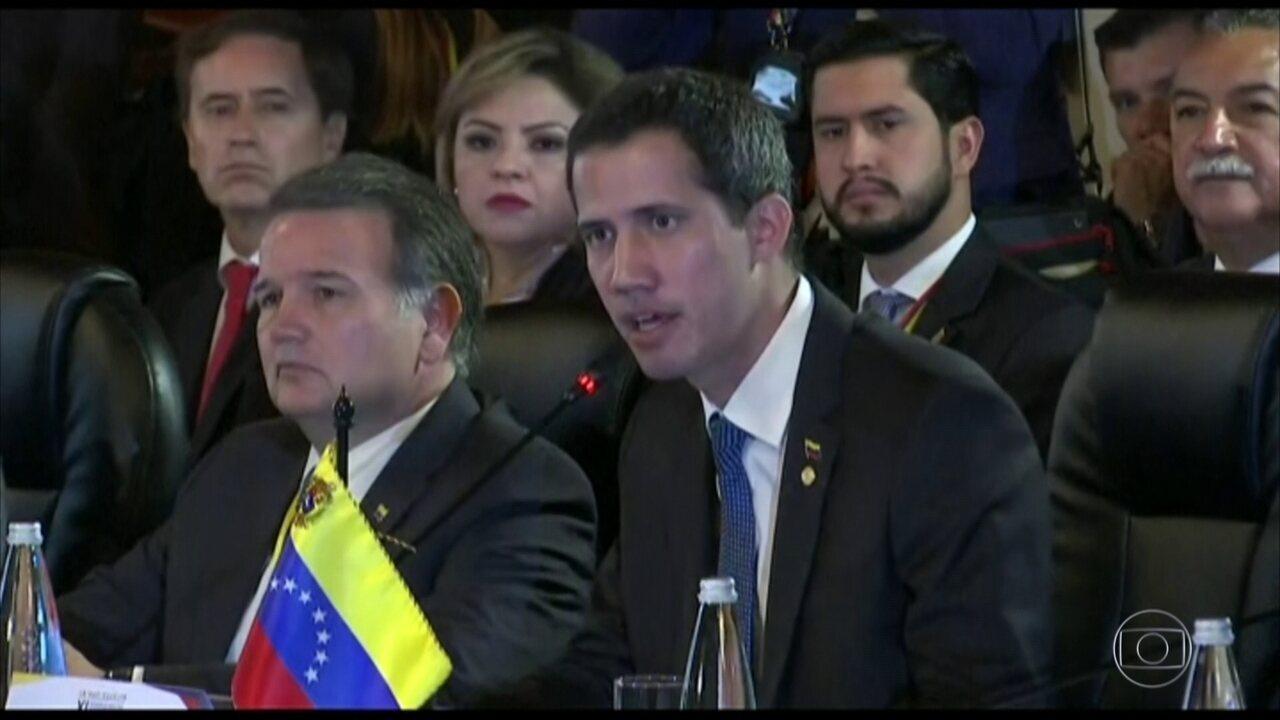 Juan Guaidó se encontra com o vice-presidente dos EUA em Bogotá
