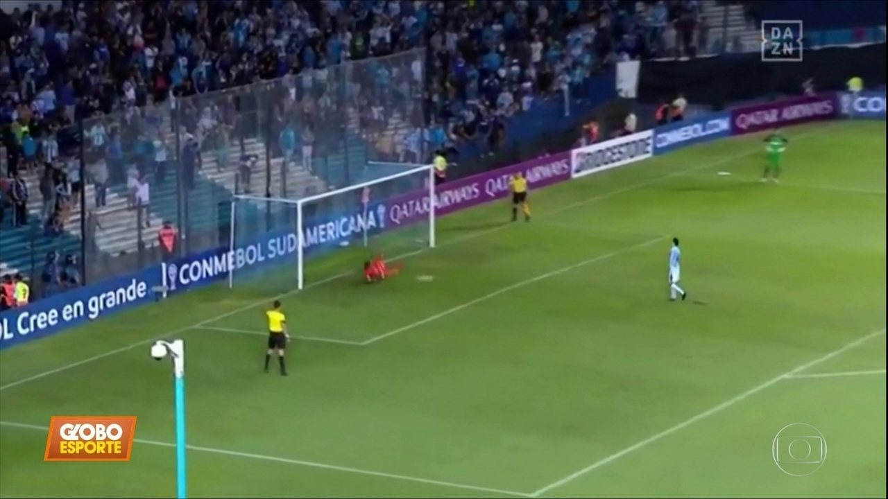 Na Argentina, Cássio pega dois pênaltis e classifica o Corinthians na Sul-Americana