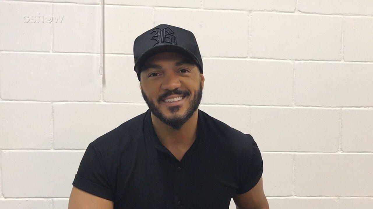 Belo relembra amizade com Caio Castro e fala sobre Gracyanne Barbosa