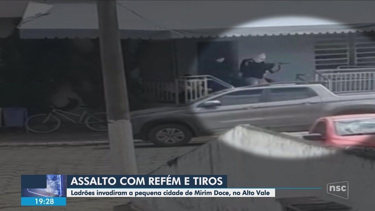 Criminosos armados assaltam banco em Mirim Doce; polícia busca suspeitos