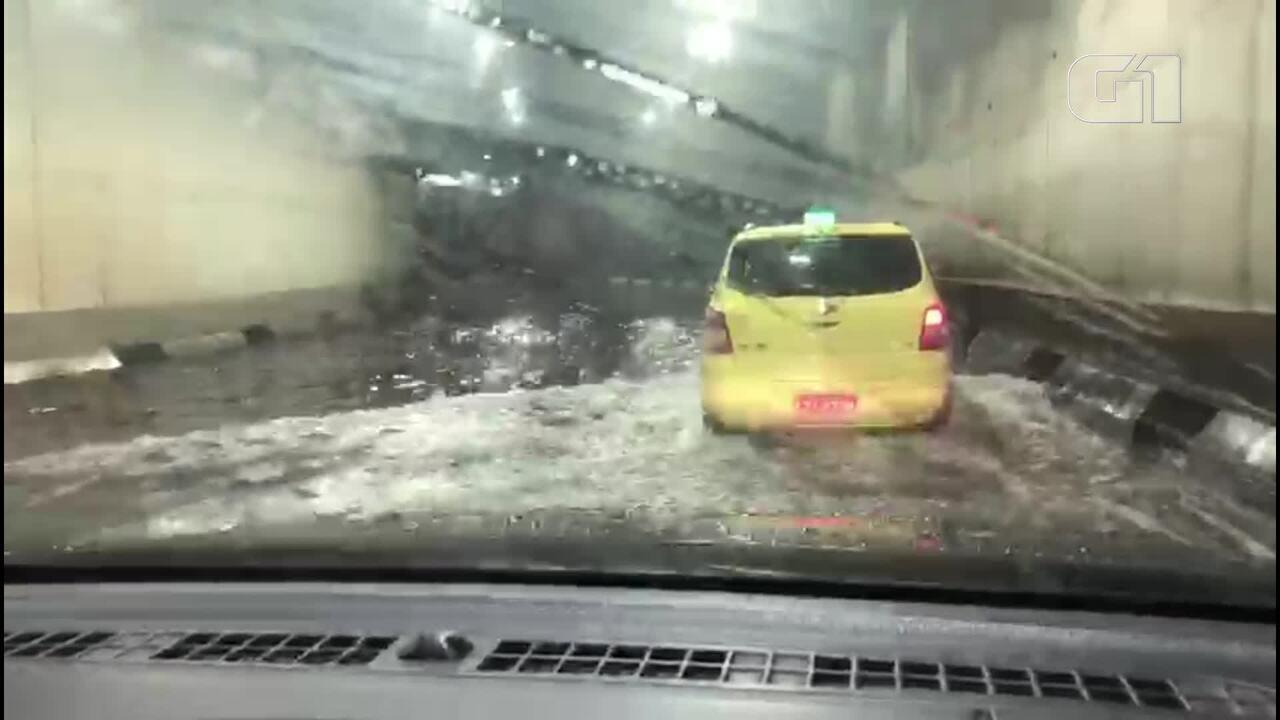 96f185cd1 Chuva inunda mergulhão da Barra da Tijuca na noite desta sexta-feira (1)