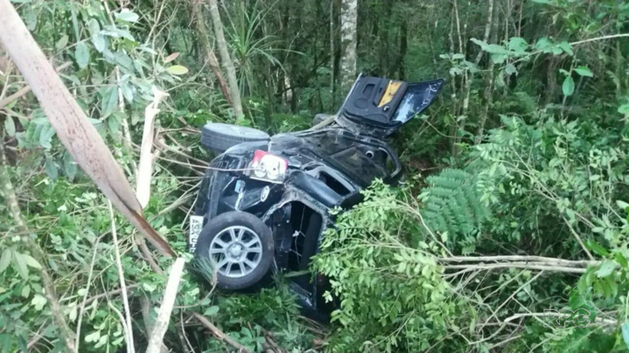 Três adolescentes ficaram feridos em acidente na BR-153 em Mallet