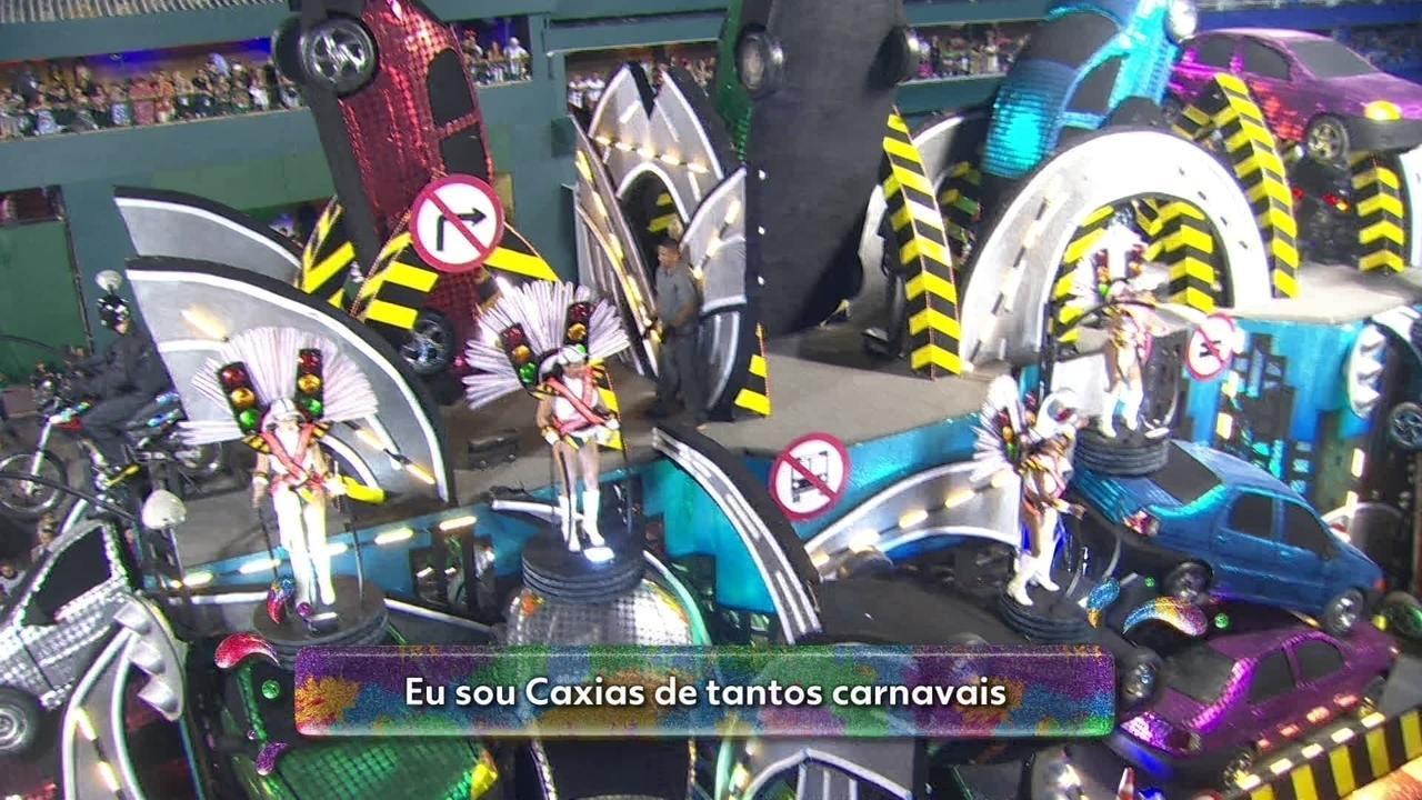 Samba da Grande Rio fala sobre educação e respeito