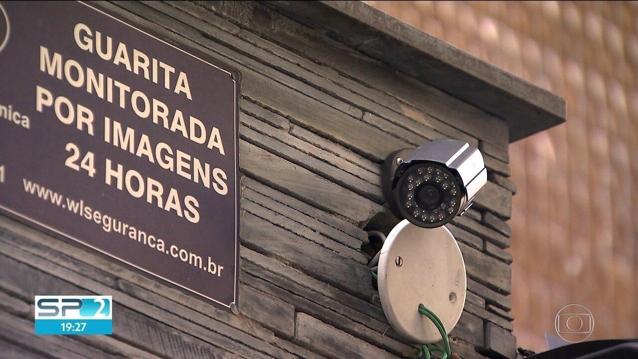 Ladrões fazem arrastão em prédio no bairro Santa Cecília