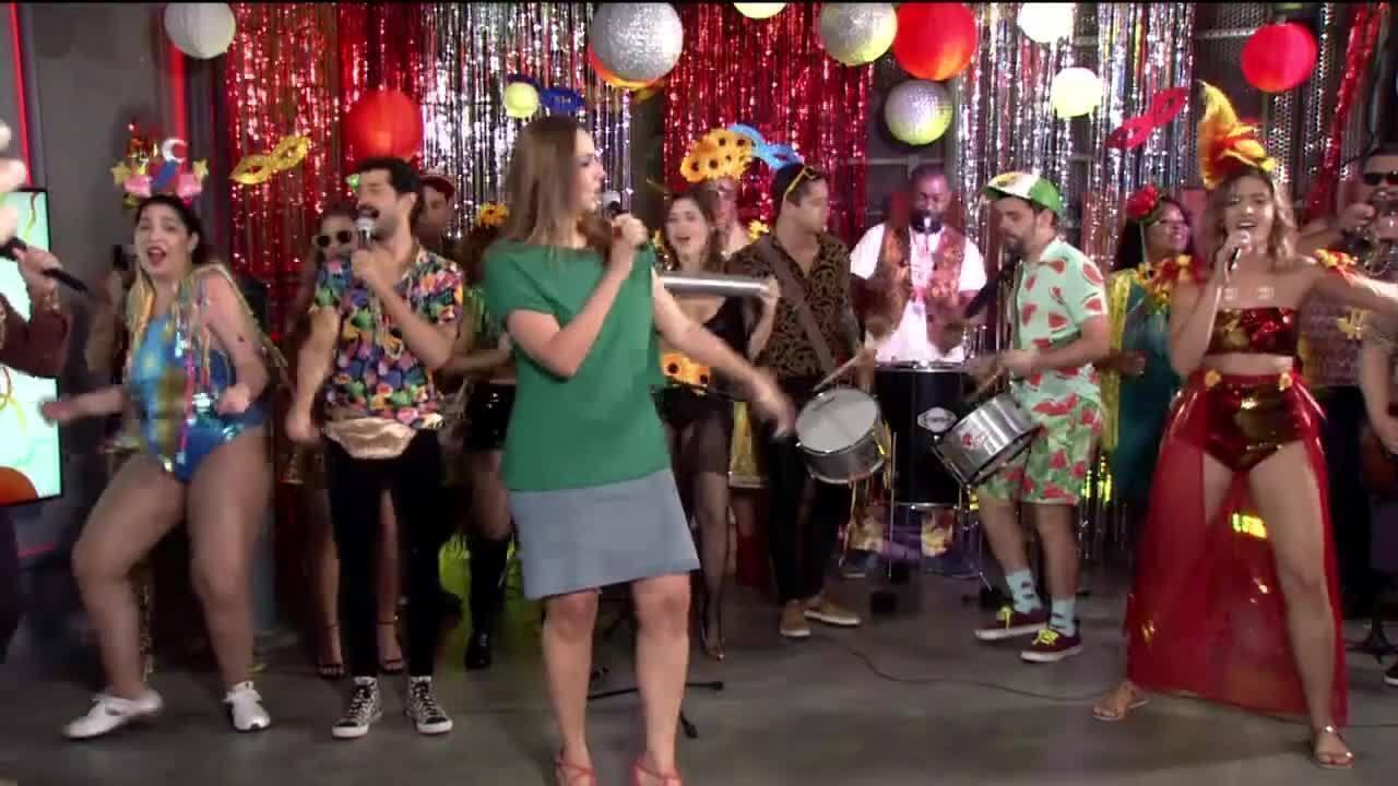 """Maria Beltrão canta """"Como uma deusa"""" no Estúdioi"""