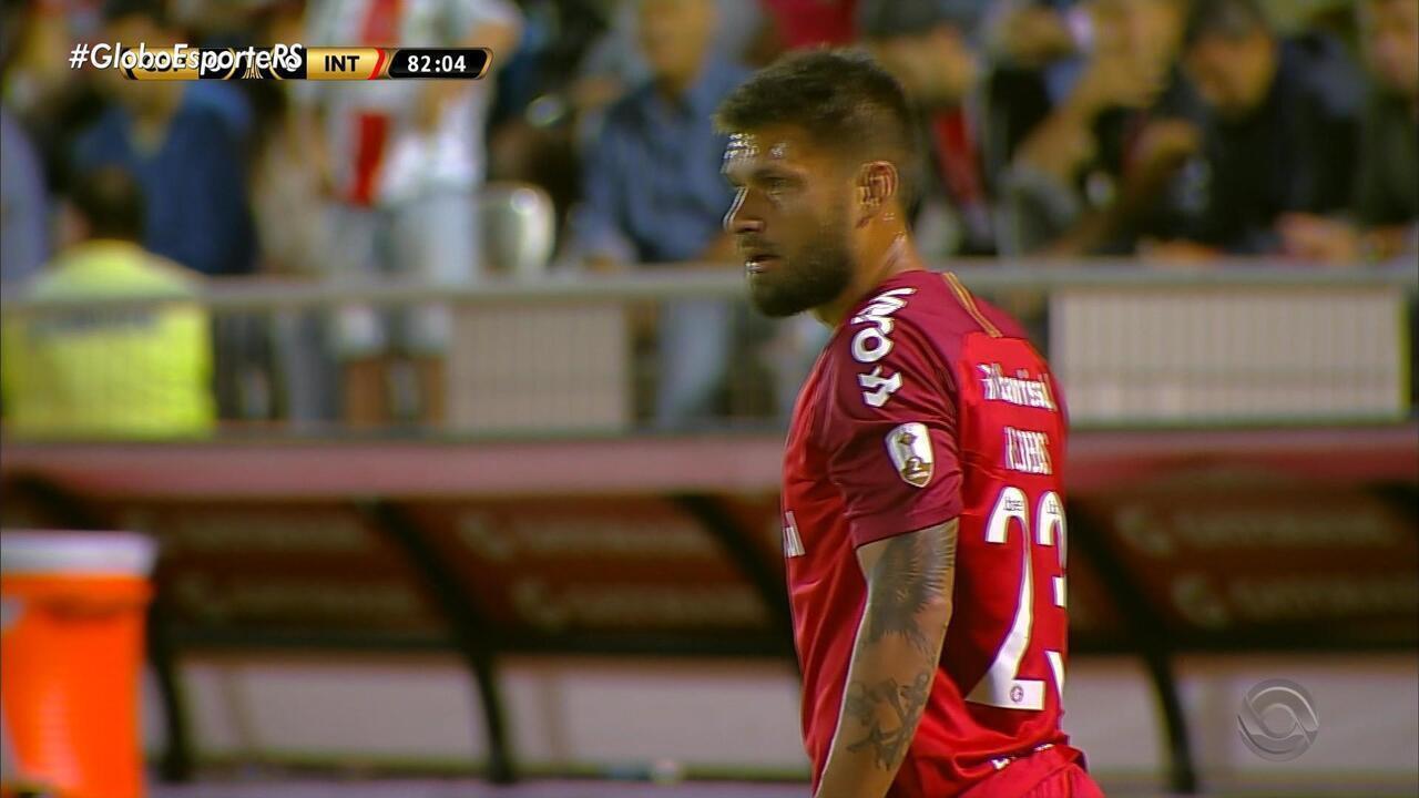Com gol de Sóbis, Inter vence na estreia da Libertadores, no Chile