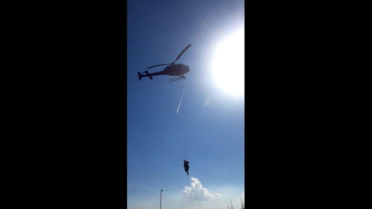 Parapentista é resgatado após acidente na Floresta da Tijuca