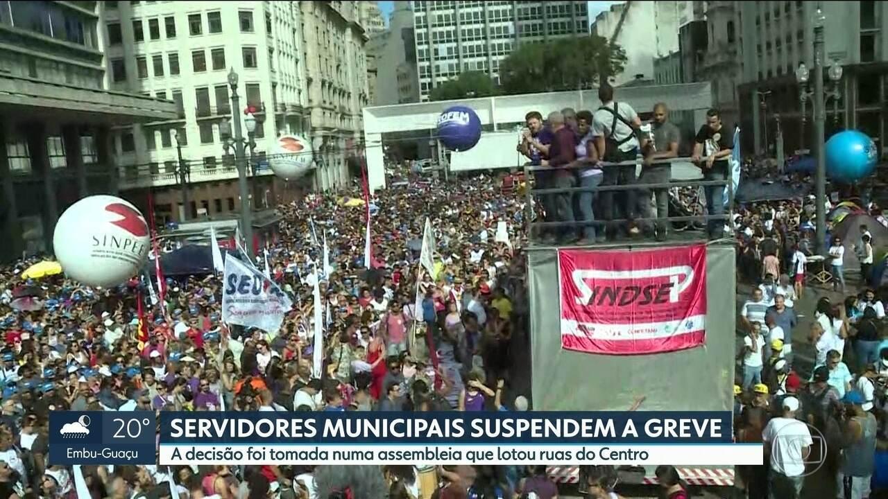 Servidores municipais de São Paulo suspendem a greve