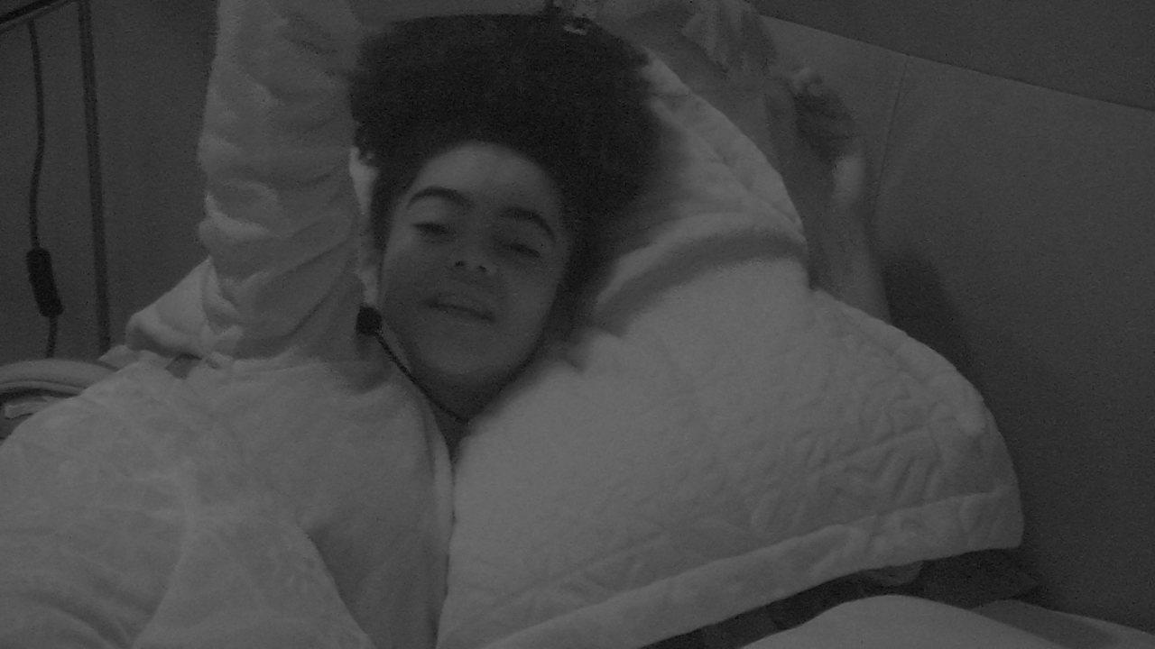 Gabriela conta sonho com Elana: 'Atrás de mim, beijando meu pescoço'