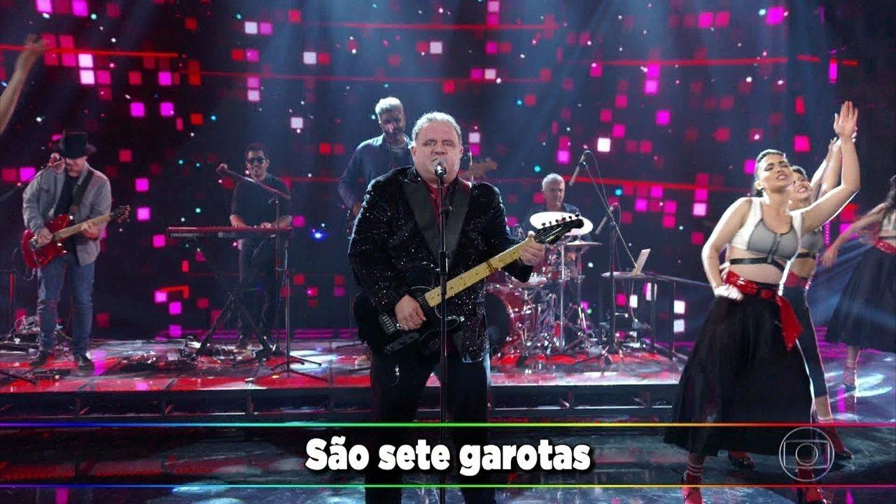 Léo Jaime canta 'As Sete Vampiras'