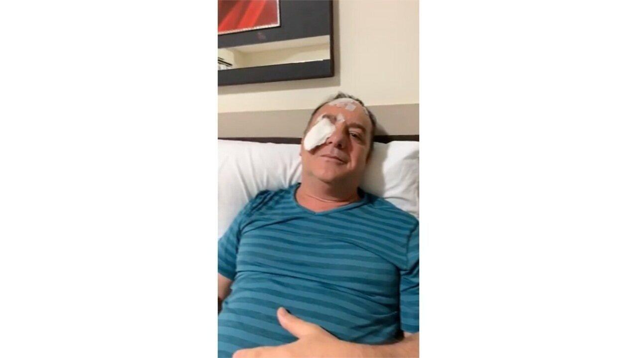 Deputado grava vídeo após ser atacado por cachorro em jogo de futebol