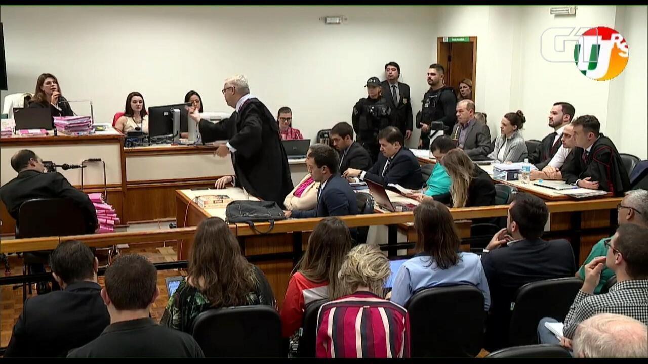 Advogado de Edelvânia discute com testemunha e juíza suspende julgamento do Caso Bernardo