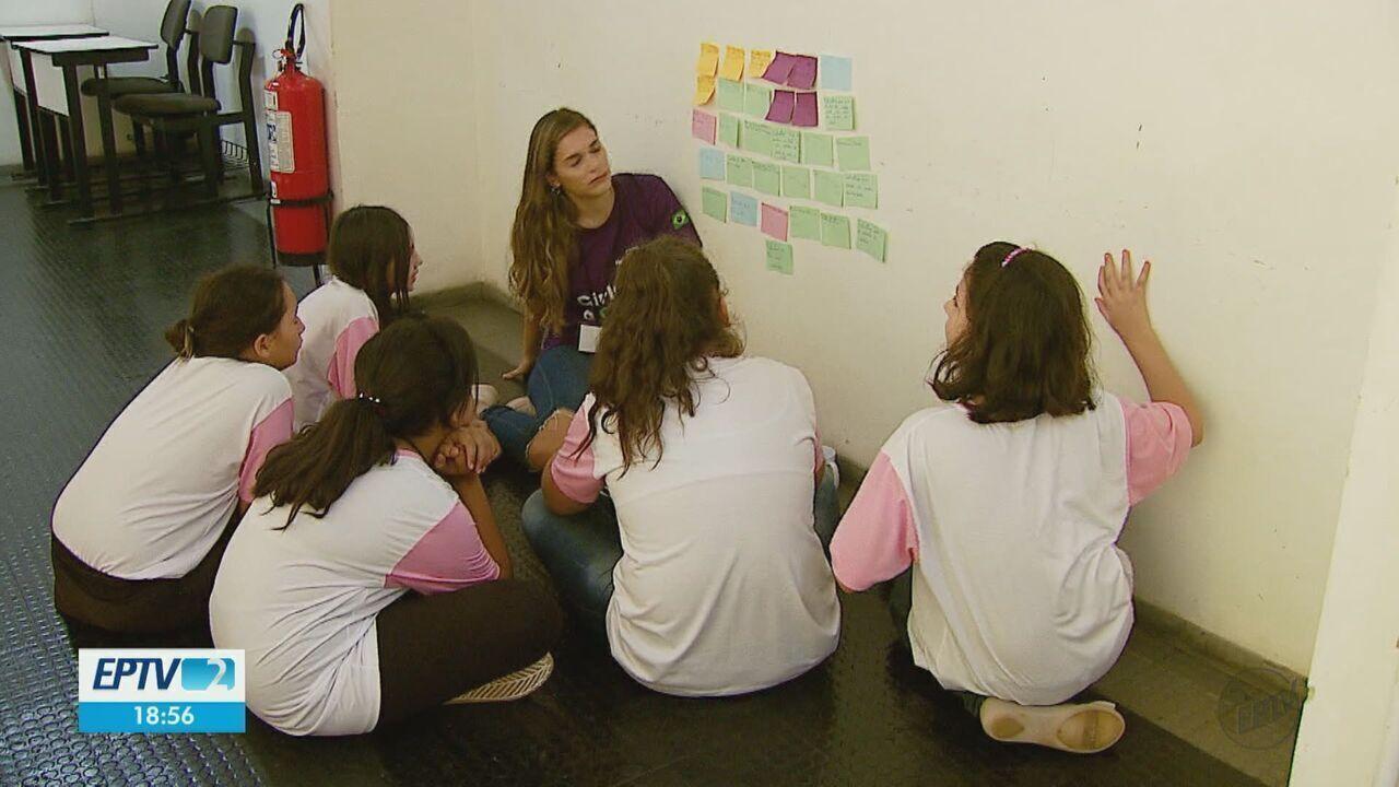 Curso da USP ensina desenvolvimento de aplicativos para meninas