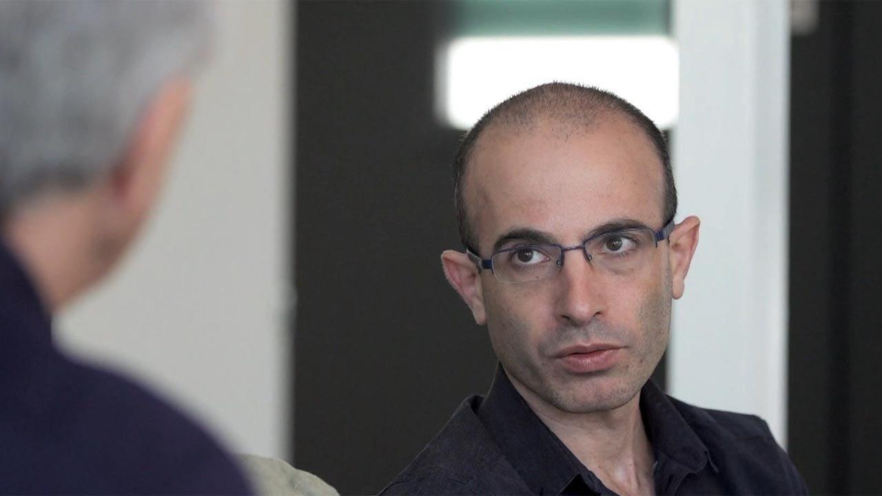 Yuval Noah Harari - Best-seller no mundo todo, o historiador israelense explica como o ser humano se tornou a espécie dominante no planeta e por que isso está ameaçado pela Inteligência Artificial.
