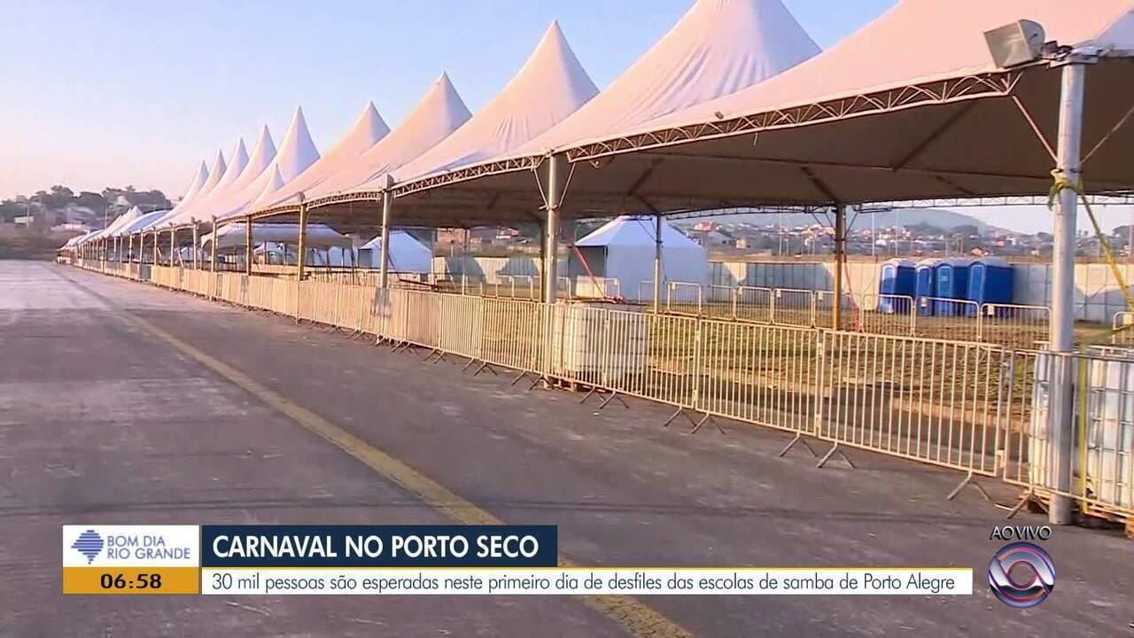 Desfile das escolas de samba de Porto Alegre começa nesta sexta-feira (15) no Porto Seco
