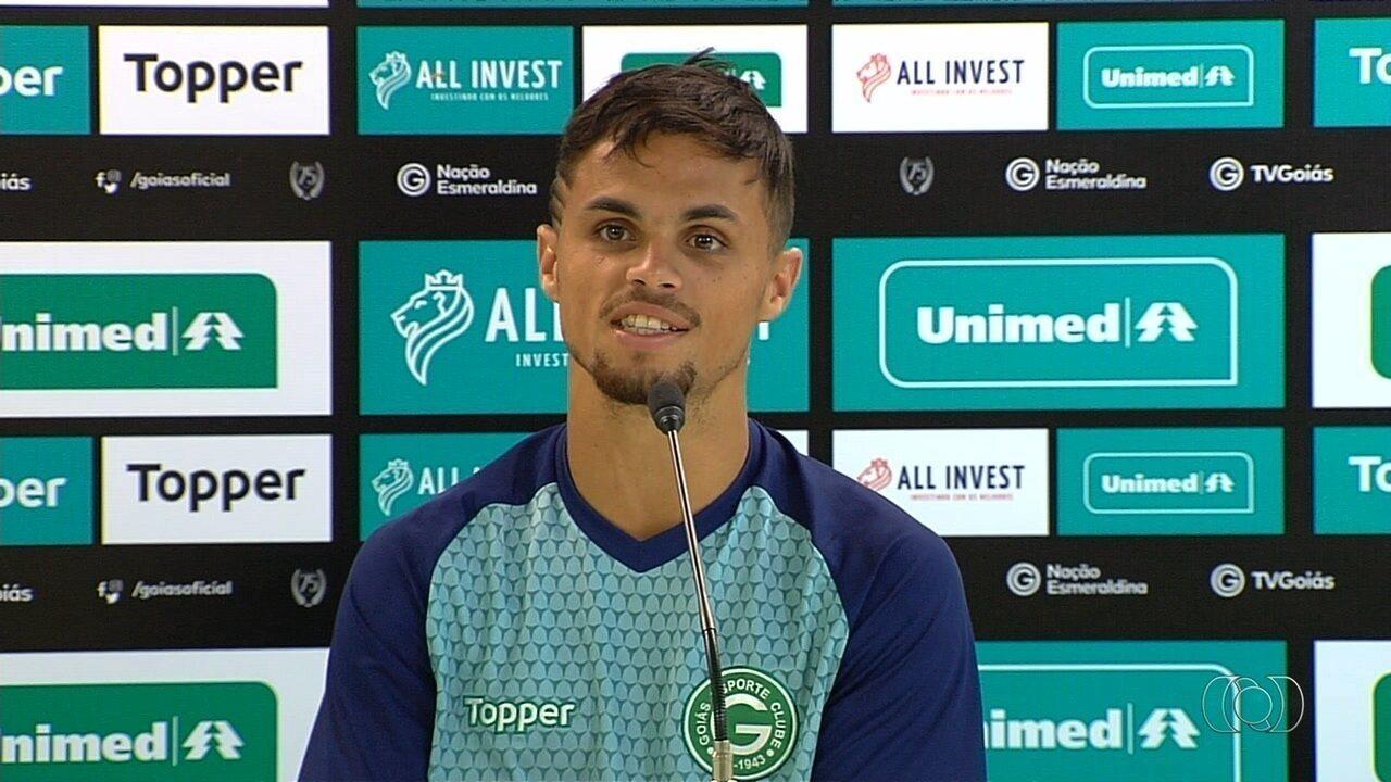 Reprovado em testes no Atlético-GO, Michael espera ajudar o Goiás contra o Dragão